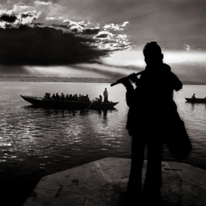 Raghu Rai, Flute Players, photograph