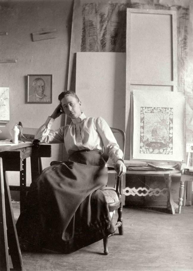 Hilma af Klint in her studio (1895), courtesy Hamburger Bahnhof
